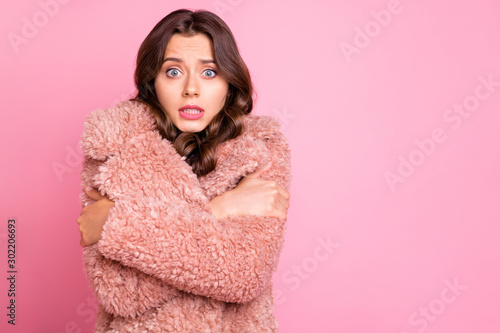 Fotografie, Tablou  Photo of amazing millennial model lady hugging herself unexpected chilly weather