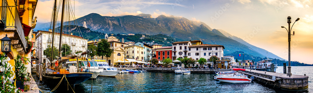 Fototapety, obrazy: old town of malcesine at the lago di garda