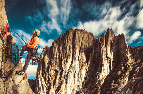 Rock climber on the edge. Canvas-taulu