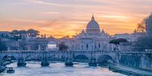Italy, Lazio, Rome, River Tibe...