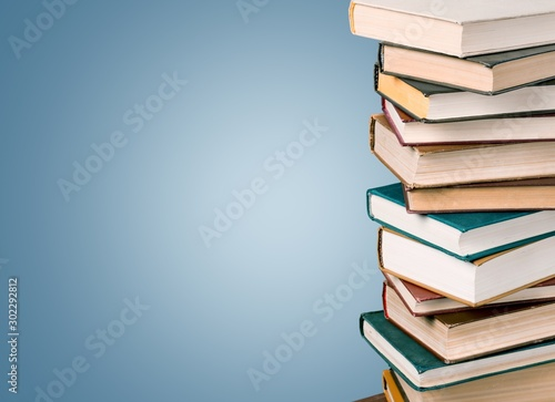 Cuadros en Lienzo  Stack of books, education and learning background