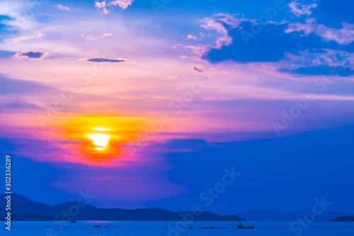 Foto auf Leinwand Dunkelblau Beautiful landscape of sea ocean around Pattaya city in Thailand at sunset time