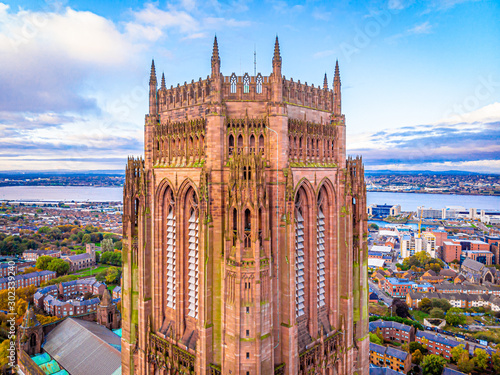 Fotomural  Aerial view of Liverpool Cathedral in the morning, UK