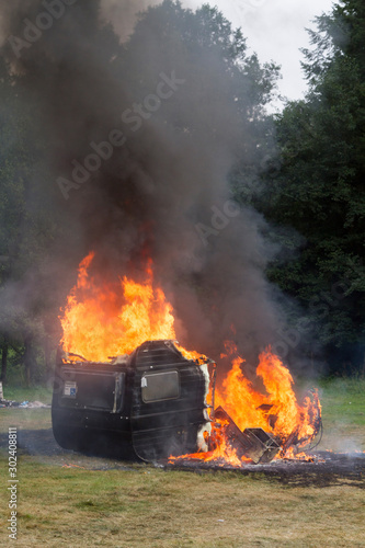 Valokuva  Wohnwagen-Brand - Feuer vernichtet Wohnwagen vollständig