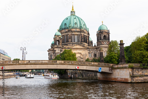 Poster Berlijn Berliner Dom, Berlin Cathedral along Spree River, Berlin, Germany