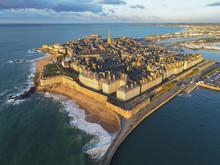 Saint Malo Au Coucher Du Soleil