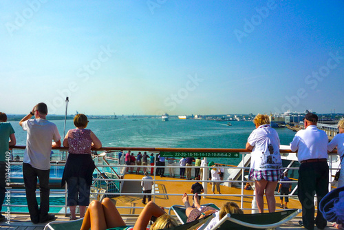 Luxury ocean liner cruise ship Cunard QM2 Queen Mary 2 leaving Southampton for T Canvas Print