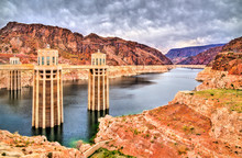 Penstock Towers At Hoover Dam ...