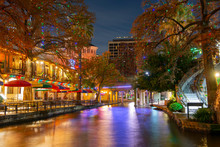 San Antonio River Walk And Sto...