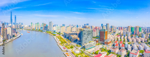 Foto auf Leinwand Shanghai Panoramic aerial photographs of the city on the banks of the Huangpu River in Shanghai, China