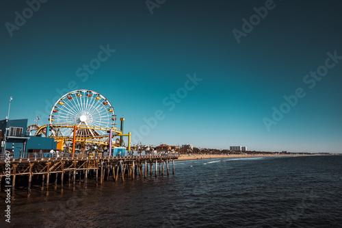 Foto auf AluDibond Blau türkis Santa Monica pier, park and ferris wheel