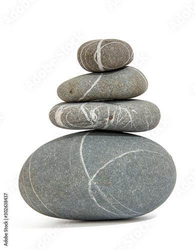 Okleiny na drzwi kamienie  stack-of-four-balanced-pebbles-with-stripes