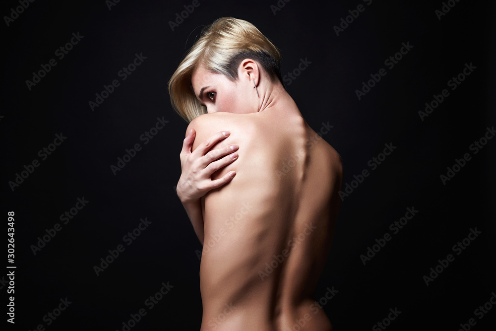 Fototapety, obrazy: Female back. Naked beautiful Girl. Short Hair Girl