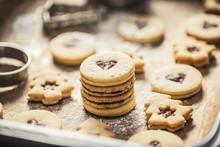 Christmas Linzer Sweets And Co...