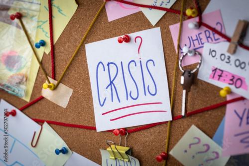 Pinturas sobre lienzo  Crisis concept