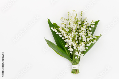 Deurstickers Lelietje van dalen Lilly of the valley flowers and leaves bouquet