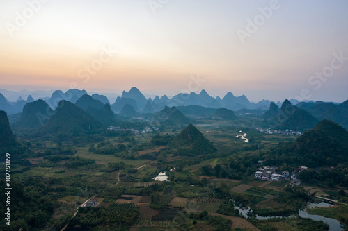 Foto auf Leinwand Rosa dunkel Drone Sunset View of Guilin, Li River and Karst mountains, Guilin city, Guangxi, province, China