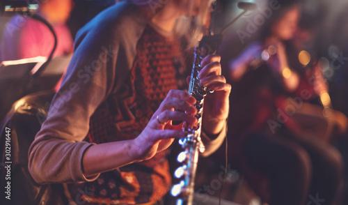 Fototapeta woman playing flute obraz