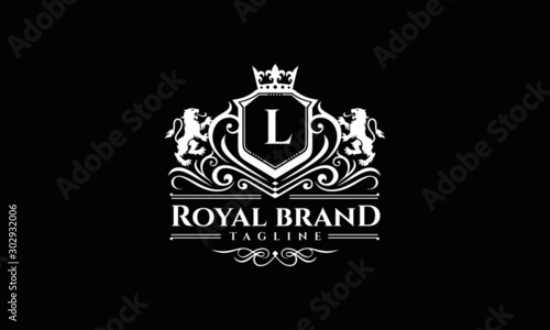 Obraz Lion Crest Logo - Royal Lion Brand Vector - fototapety do salonu