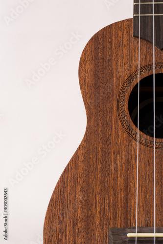 Photo ukulele soprano brown white background