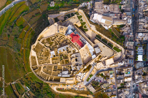 Photo  Aerial view of Citadel in Victoria city - capital of Gozo island