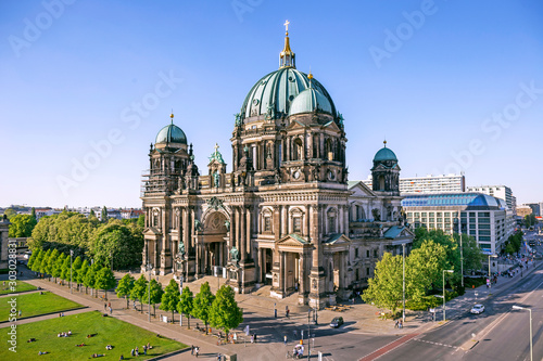 Foto Aerial view of Berlin Cathedral (Berliner Dom) in Berlin, Germany