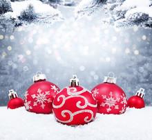 Beautiful Christmas Balls On T...