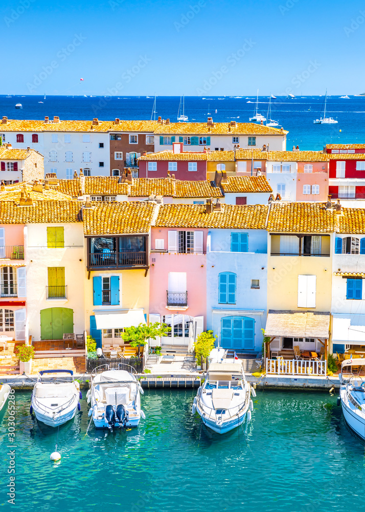 Fototapety, obrazy: View Of Colorful Houses And Boats In Port Grimaud During Summer Day-Port Grimaud, France