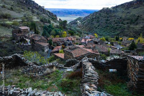 Fototapeta Antigua aldea de Patones de arriba
