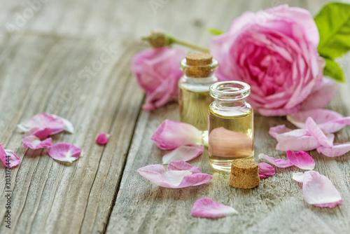 Fototapeta Rose essential oil obraz