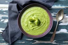 Primo Piano Broccoli Zuppa Cre...