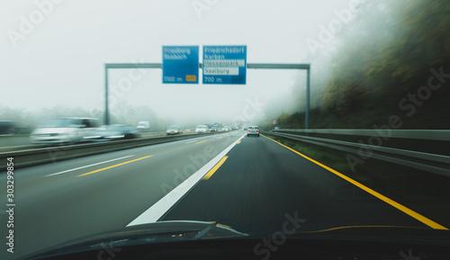 Photo foggy autobahn