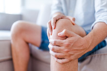 Man Suffering From Knee Pain S...