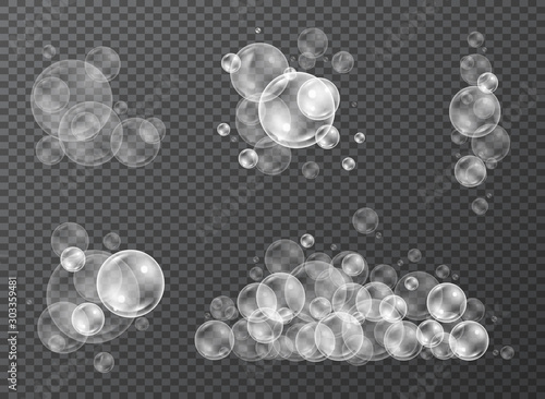 Fotomural  Water bubbles in realistic style set for shower with reflection