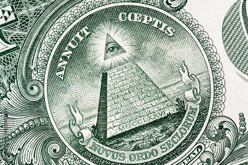 Obraz na plátne Pyramid macro close-up on a banknote of 1 US dollars