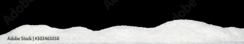 Fotografia Banner of sparkling fuffy white snow hills isolated on black