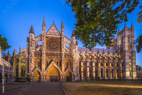 Foto auf Leinwand Altes Gebaude Westminster Abbey in london, england, uk at night