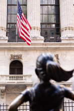 Fearless Girl In Front Of New ...