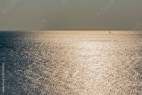 stagnant sea and sun lights Canvas-taulu