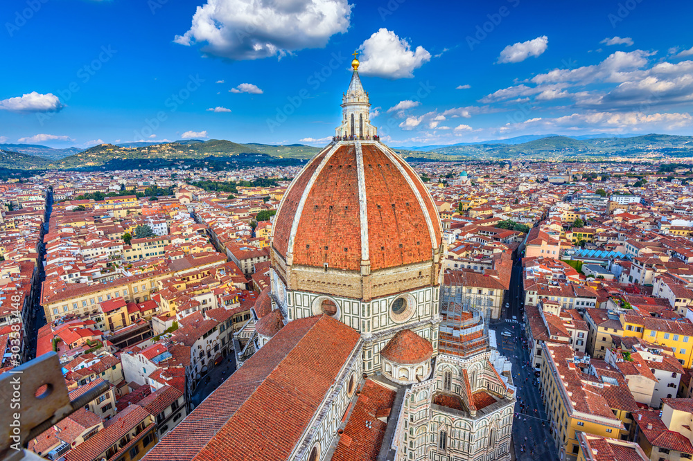 Fototapety, obrazy: Florence Duomo. Basilica di Santa Maria del Fiore (Basilica of Saint Mary of the Flower) in Florence, Italy. Architecture and landmark of Florence. Cityscape of Florence