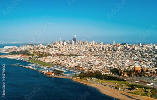 Pinturas sobre lienzo  Downtown San Francisco aerial view of skyscrapers