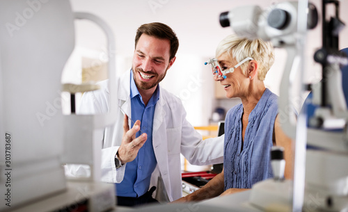 Cuadros en Lienzo  Ophthalmology concept