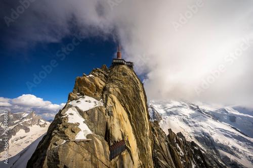 Valokuvatapetti Mont-Blanc massif : Top of Aiguille du Midi - Chamonix, Haute-Savoie, France