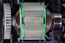 Electric Motor With Carbon Bru...