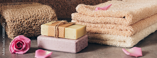 Cuadros en Lienzo Border bath and spa accessories, soap, loofah washcloth and terry towels