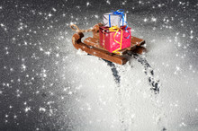 Gifts On A Wooden Sleigh, Trac...