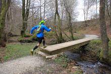 Corredor Carrera De Montaña A Pie Puente 5489-as19