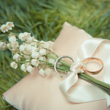 White Gold Wedding Rings With ...