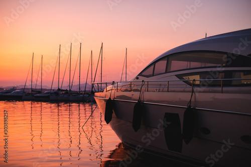 Photo Coucher de soleil stupéfiant sur la marina