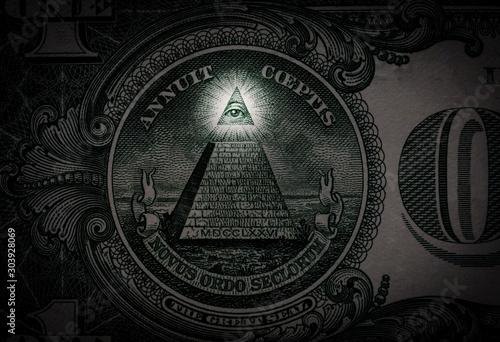 Fotografia, Obraz Pyramid macro close-up on a banknote of 1 US dollars